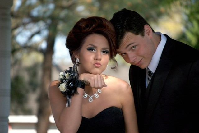 Quinceañera Limo services/Sweet 15 Services